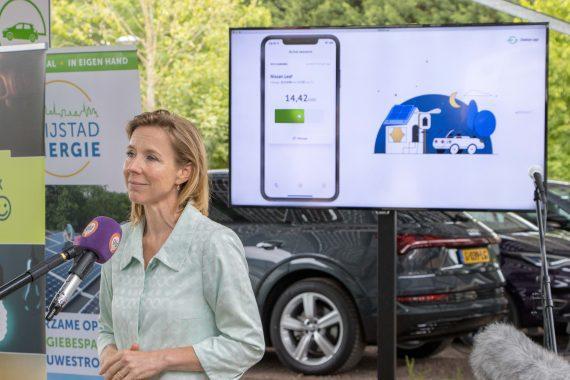 Stientje van Veldhoven - Opening Stekker.app